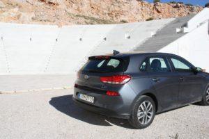 Hyundai_i30_CRDi_Auto_autoholix_021