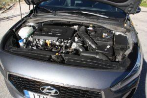 Hyundai_i30_CRDi_Auto_autoholix_04