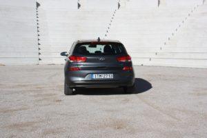 Hyundai_i30_CRDi_Auto_autoholix_05