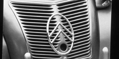 "Citroen 2CV – ""H αγάπη χρόνια δεν κοιτά""!"