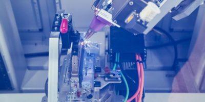 Επένδυση 200 εκατ. ευρώ από το BMW Group σε Κέντρο Τεχνολογίας Κυψελών Μπαταριών (Video)