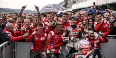 Με εντυπωσιακή νίκη έκλεισαν τη χρονιά ο Ντοβιτσιόζο και η Ducati