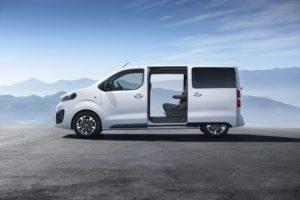 2019 Opel Zafira Life 02