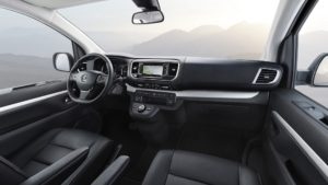 2019 Opel Zafira Life 00