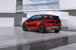 SEAT-el-Born-plugged-into-electric-mobility_06_HQ - Copy