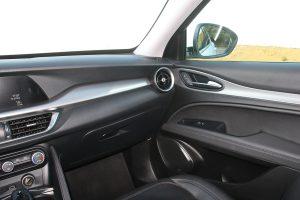 Alfa_Romeo_stelvio_2.2_autoholix.12