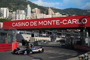 Nissan Monaco (6)