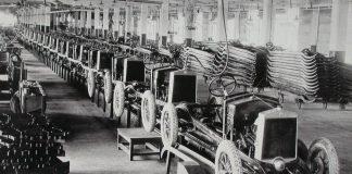 Torino_Fiat_Lingotto_assembly_line