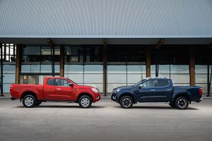 Nissan Navara - King Cab Red and Double Cab Blue 2