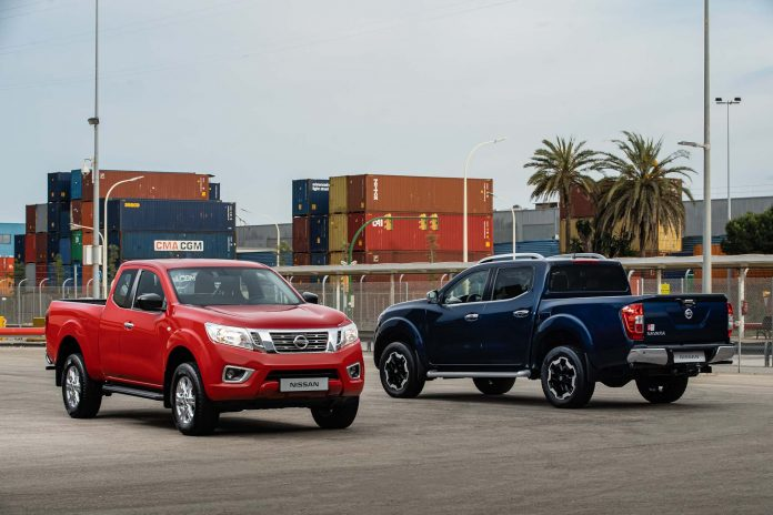 Nissan Navara - King Cab Red and Double Cab Blue