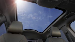 FORD_MUSTANG_MACH-E_PANORAMIC-ROOF_18-LOW