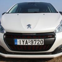 Peugeot_208_1.5_autoholix.03