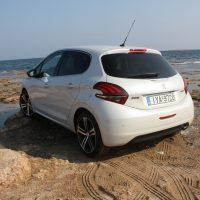 Peugeot_208_1.5_autoholix.0