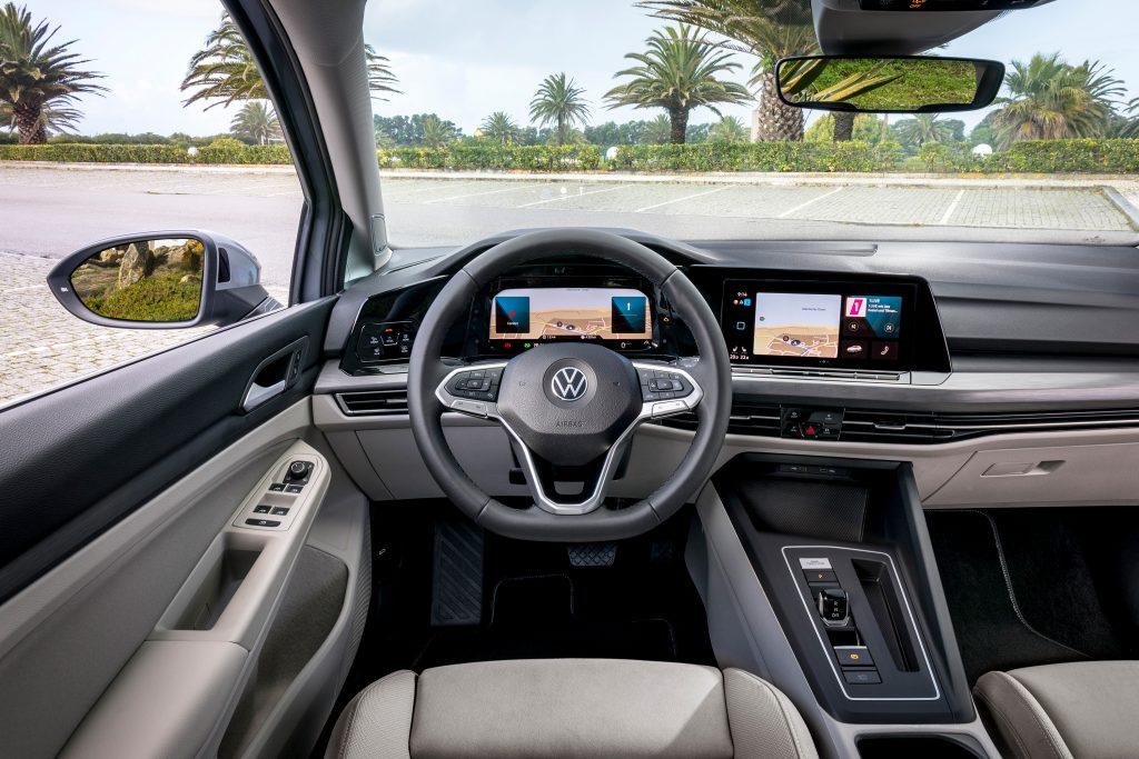 VOLKSWAGEN GOLF_Moonstone Grey_358