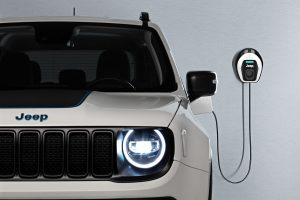 Jeep Renegade 4xe First Edition with wallbox